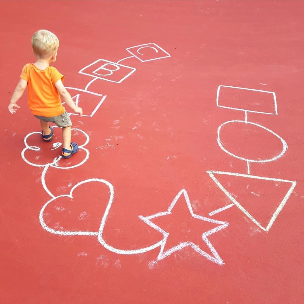image of shape jumps toddler game