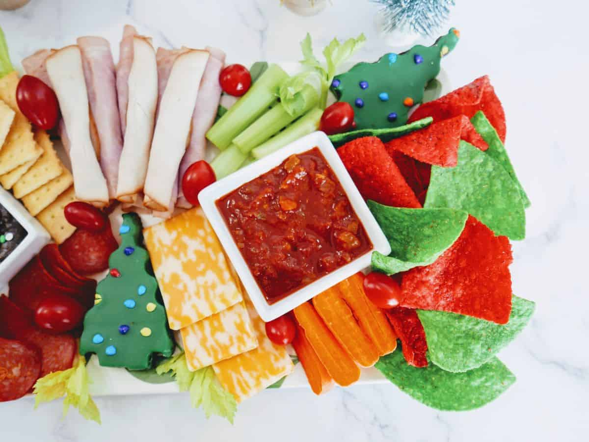 kids appetizer tray for the holidays